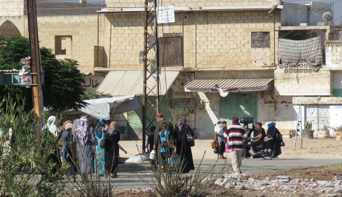 Provincial councils, relief organizations cope with influx of Hama residents displaced by regime-opposition clashes
